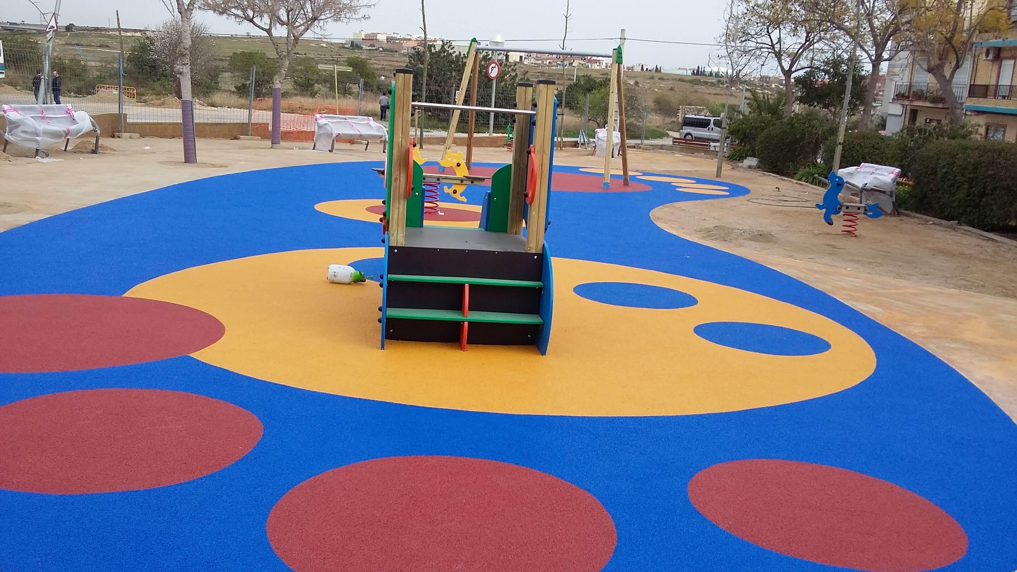 Construcción de parques infantiles en Tarragona
